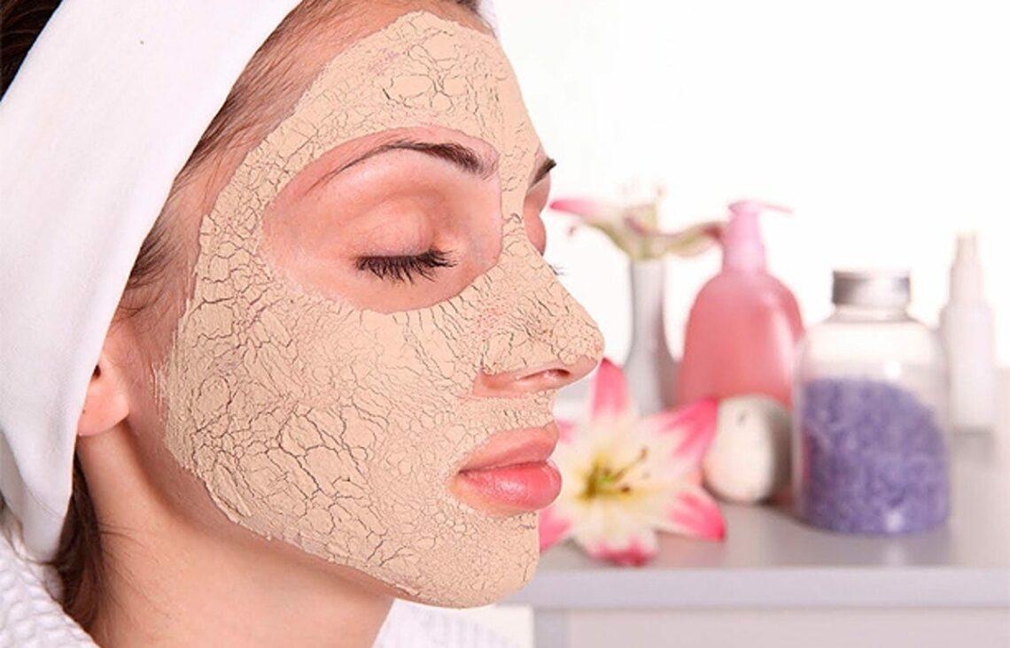 Máscara caseira com argila rosa