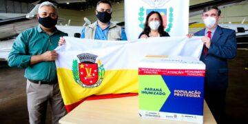 Mais 4 mil doses de vacinas em combate a covid-19 chegam em Maringá