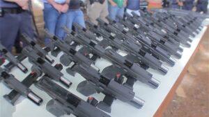 A prefeitura efetuou a compra de 100 pistolas, 10 revólveres e 14 espingardas calibre 12 (Foto: Arquivo/Equipe Pinga Fogo)