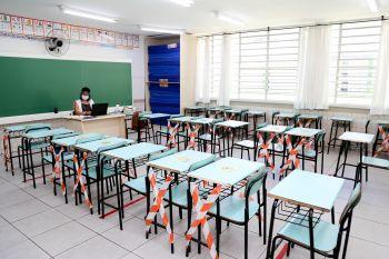 Aulas nas escolas públicas e privadas de Maringá continuarão proibidas