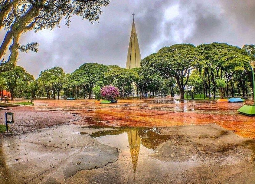 Terça-feira em Maringá será de céu nublado e pancadas de chuva