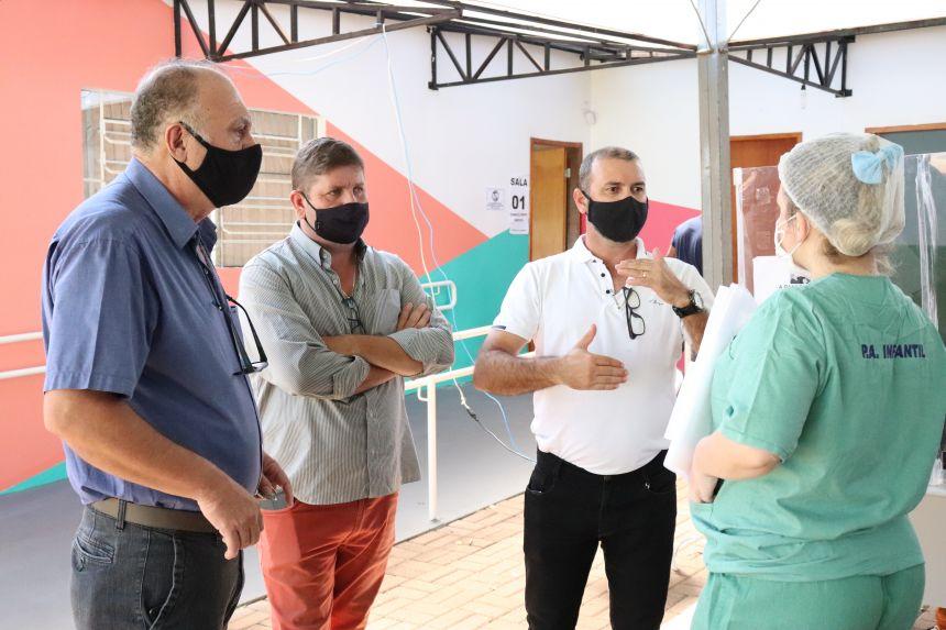 Vereadores visitam Centro de Tratamento da Covid-19