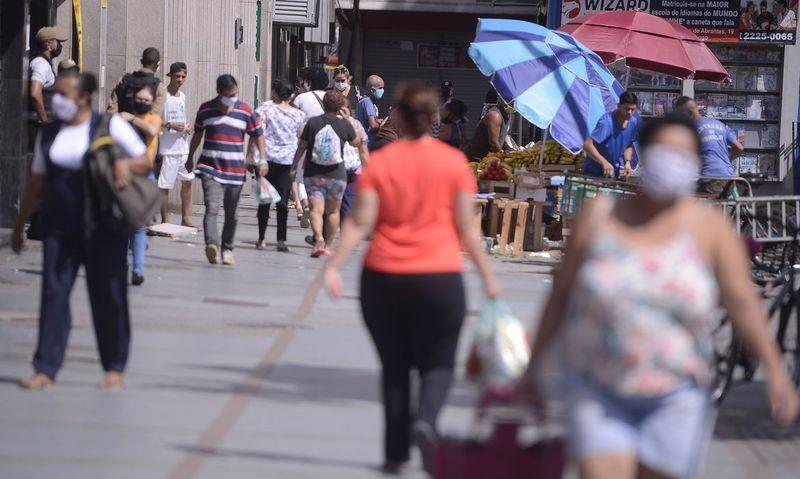 Prefeitura autoriza o funcionamento do comércio neste sábado com 50% de ocupação