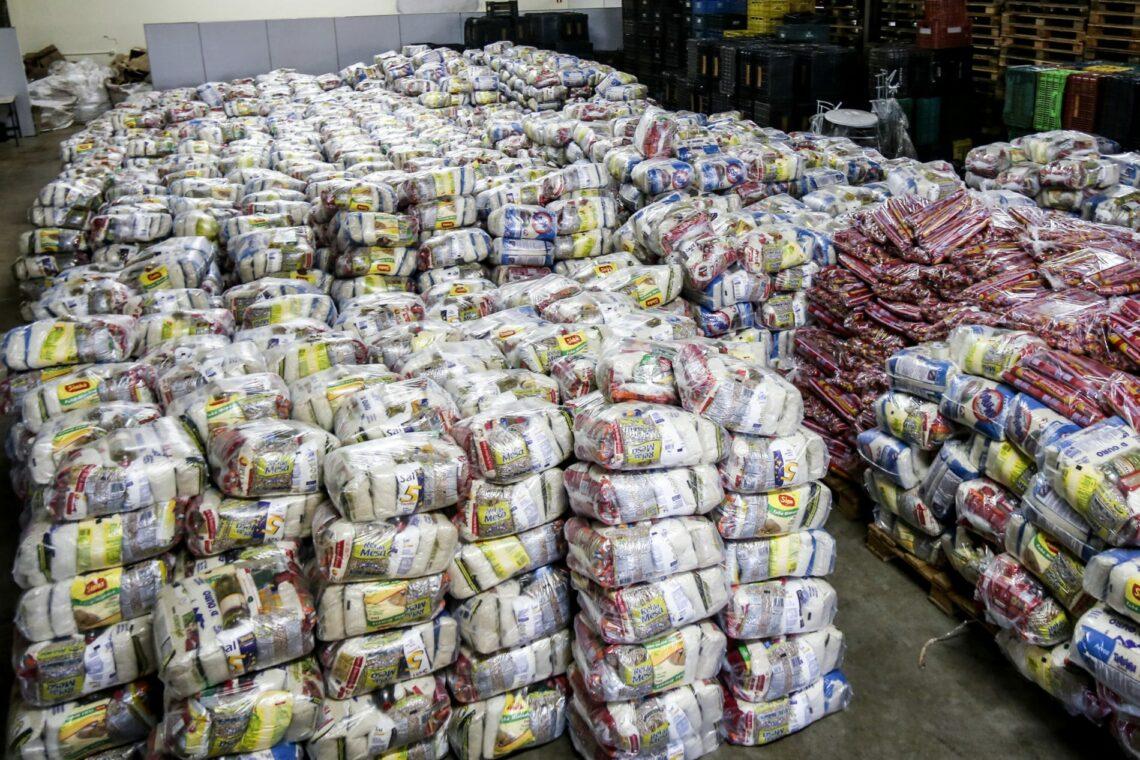 Secretaria de Assistência Social de Maringá prossegue entregando cestas básicas