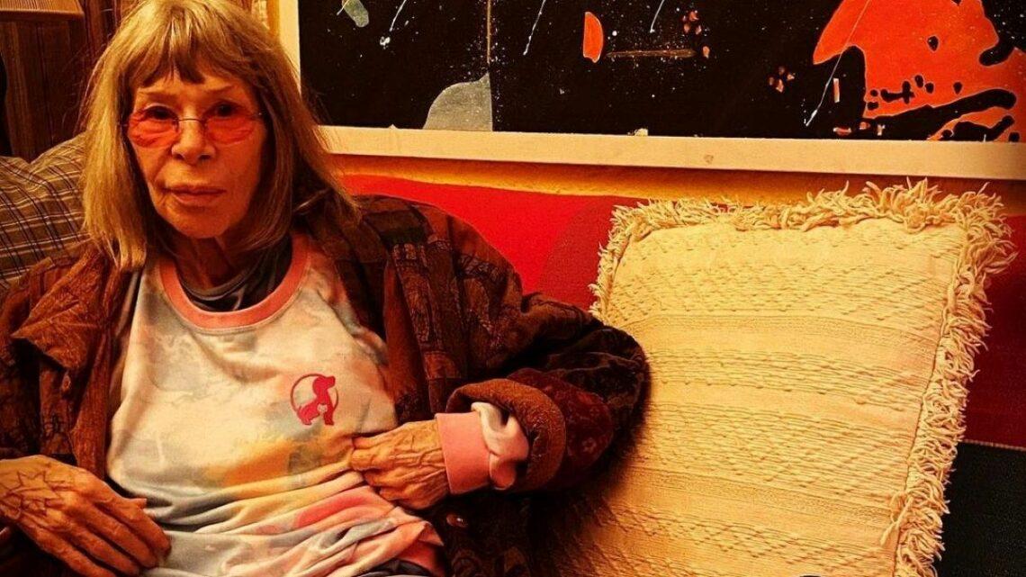 Rita Lee conta sobre tumor no pulmão esquerdo