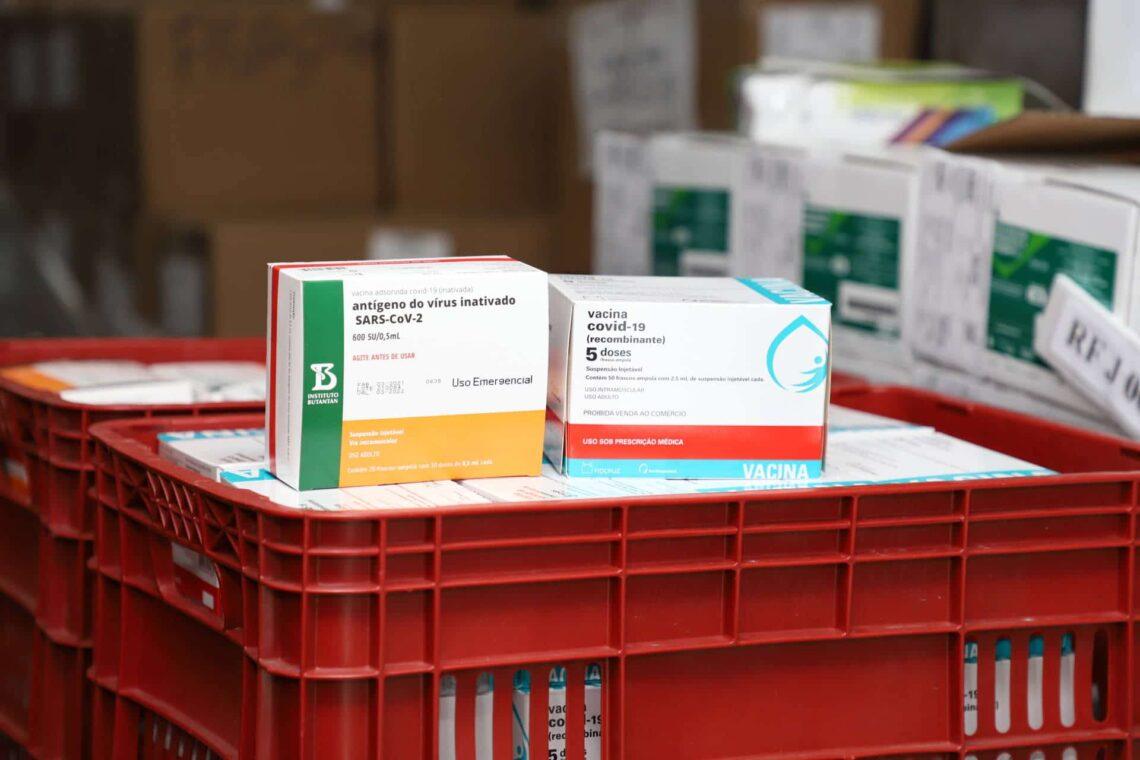 Mais 413.880 doses do imunizante em combate ao coronavírus devem chegar ao Paraná nos próximos dias
