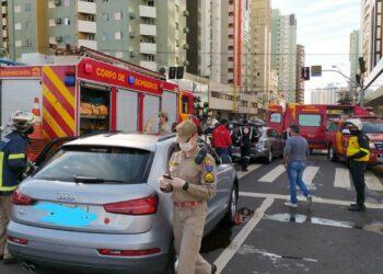 Diariamente bombeiros e socorristas fazem o atendimento primário a vítimas de acidentes. Crédito: Corpo de Bombeiros