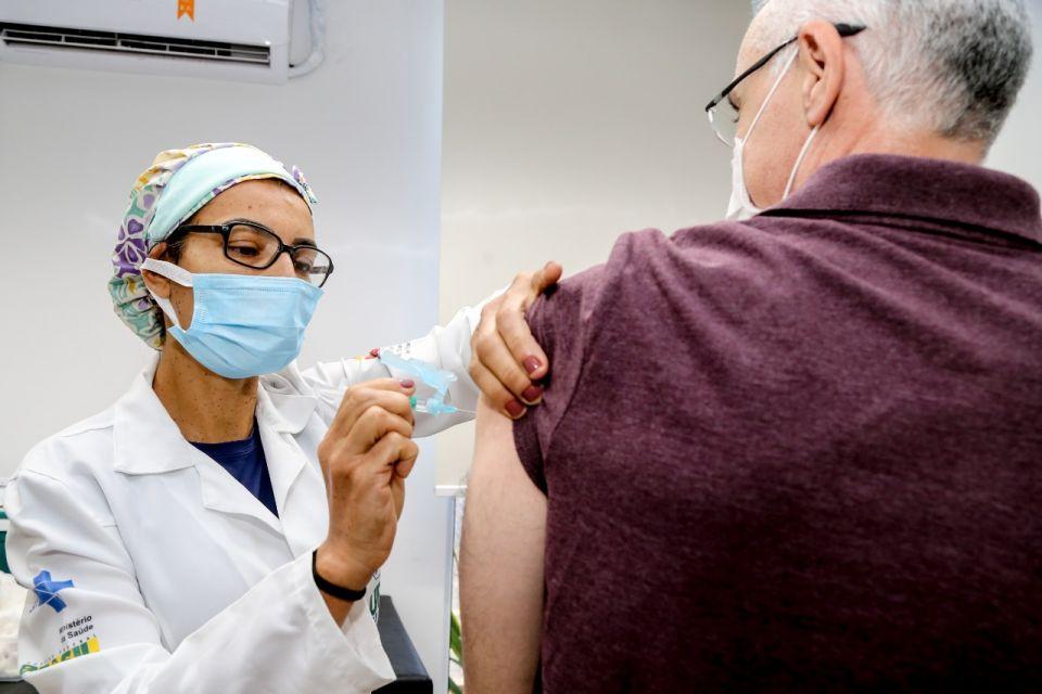 Confira o cronograma de vacinação nesta segunda, 7