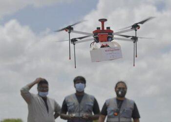Índia faz experimentos com drones para realizar entregas de medicamentos em lugares remotos do país