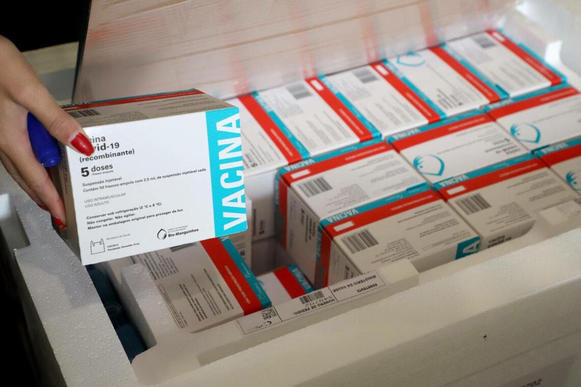 237 mil imunizantes contra ao coronavírus chegam ao Paraná hoje