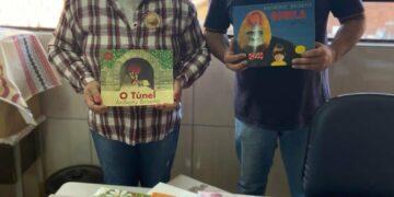 CMEI Gente Pequena de Iguaraçu recebe doação de 50 livros do Banco Itaú