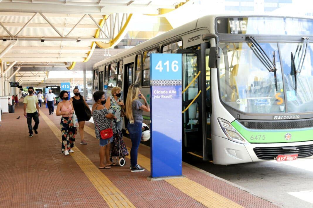 Abono salarial de 3,5% é proposto aos motoristas de ônibus da TCCC e Cidade Verde