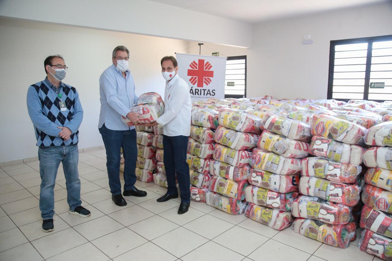 Cooperativa médica de Maringá doa 20 toneladas de alimentos e agasalhos às entidades ecumênicas da cidade