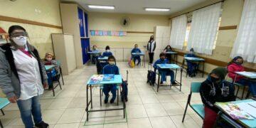 Aulas são retomadas na rede municipal de educação nesta quarta-feira em Maringá
