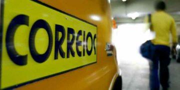 Votação para a privatização dos Correios é adiada para agosto