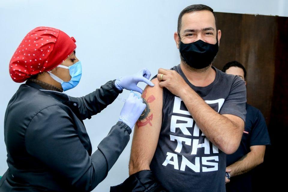 Vacinação Covid-19 para 36 anos avança hoje