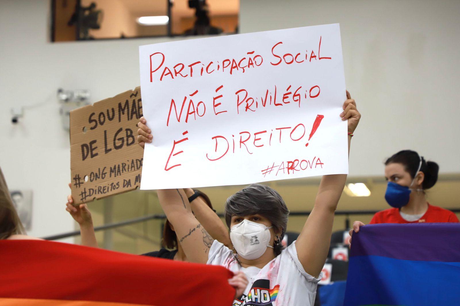 Projeto de Lei sobre a criação do Conselho Municipal de Direitos LGBTI+ é suspenso por quatro sessões