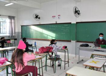 Saúde altera Resolução e as escolas do Paraná podem receber mais alunos por sala de aula
