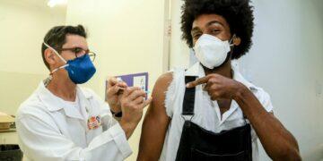 Maringá segue na vacinação contra Covid-19