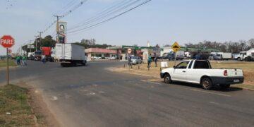 Manifestantes bloqueiam rodovia em Marialva