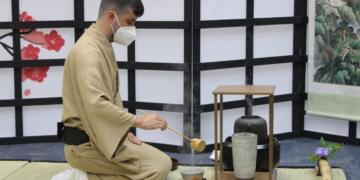 Cerimônia do Chá A Paz através de uma tigela de chá