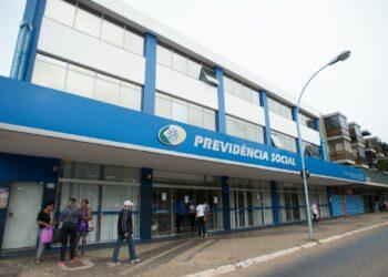 Prova de vida do INSS continua sendo exigida para recebimento de benefícios