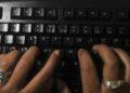 Mulheres do ensino médio podem se inscrever em curso gratuito de programação ofertado pela USP