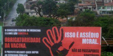Passaporte da vacina gera polêmica em Londrina
