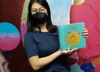 O Extraordinário Mundo de Miki, a obra lançada por edital da Prefeitura utiliza SignWriting (método de sinais)